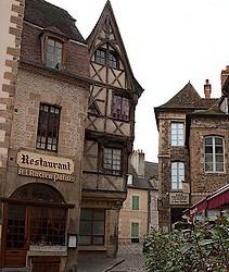Fiche de Moulins Moulins-Rue_ancien_Palais