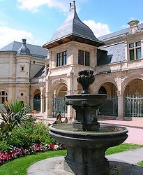 Fiche de Moulins Moulins_museeAnneDeBeaujeu