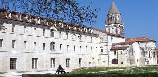 Fiche de Saintes Saintes_Abbaye_aux_dames