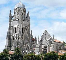 Fiche de Saintes Saintes_cathedraleSaint-Pierre